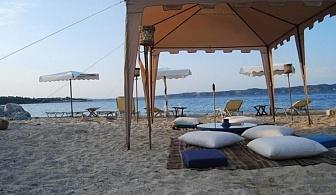 На 50 метра от пясъчен плаж в Гръция - хотел Agionissi Resort за една нощувка, закуска, вечеря, външен и вътрешен басейн, безплатен паркинг и интернет / 30.04.2017 - 14.06.2017