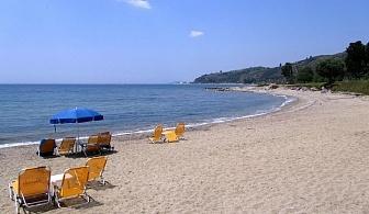 На 50 метра от пясъчен плаж в Loutra Village - Касандра, Халкидики за една нощувка, безплатно за деца до 12 год., безплатен паркинг и интернет / 14.06.2017 - 05.07.2017