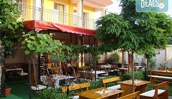 На море през август и септември в живописния Лозенец, в хотел Белисимо - на крачка от плажа! 5 нощувки със закуски на човек, в двойна стая