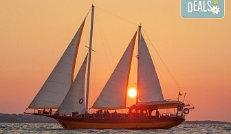 Морска разходка около Созопол по залез слънце, на страхотна цена! Да открием сезона от 1 юни! Яхта Трофи Ви очаква!