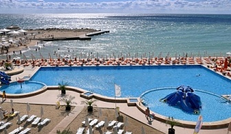No Name оферта в хотел 4* в Комплекс Гранд Хотел Варна  с огромно намаление! Нощувка на база All inclusive + ползване на басейн. чадър и шезлонг на плажа + дневна анимация и вечерни шоу програми!!!