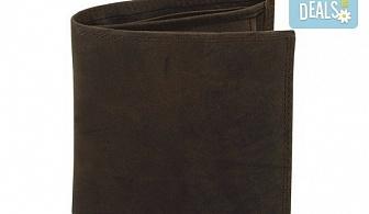 Направете оригинален подарък! Портфейл от естествена кожа в ловджийски, винтидж стил!