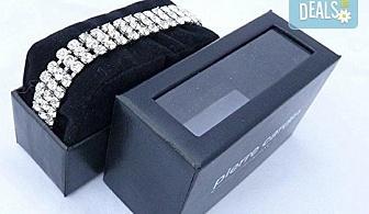 Нежен подарък за любимата жена! Гривна Pierre Cardin с кристали Swarovski в сребристо!