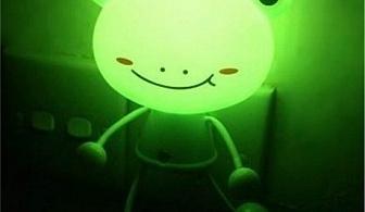 Нощна лампа за контакт със сензор - жабка