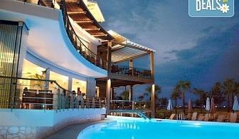 Нощувка на база Закуска и вечеря в Cosmopolitan Hotel & Spa