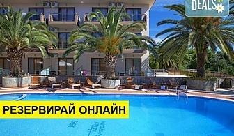Нощувка на човек на база Закуска и вечеря в Hotel Simeon 3*, Метаморфоси, Халкидики, безплатно за деца до 1.99 г.