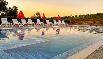 Нощувка на човек със закуска и вечеря + басейн в НОВООТКРИТИЯ хотел Хефес, край Хасково