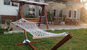 Нощувка за 22 човека край Троян в къща за гости Au Naturе с лятно барбекю, собствена механа и зелен двор - с. Голяма Желязна