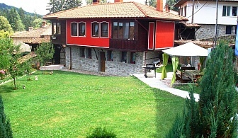 Нощувка за 11 човека + механа и барбекю къща Традиция в Копривщица