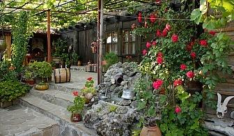Нощувка за 10 човека в Жеравна! Къща за гости Полъх от миналото във възрожденски стил с лятно барбекю, китна градина и веранда