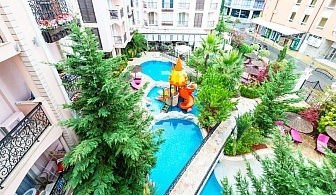 Нощувка за двама, трима или четирима + басейн в апартаменти Сий Романс, Слънчев Бряг