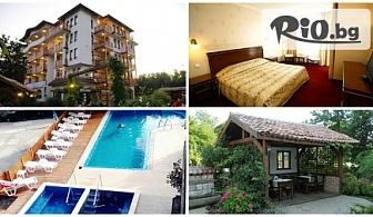 Нощувка или нощувка със закуска + джакузи и басейн с топла минерална вода, от Хотел Иванчов хан 3*