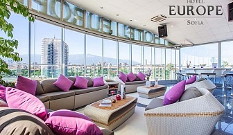 Нощувка със закуска на човек в БЕСТ УЕСТЪРН Хотел Европа****, София