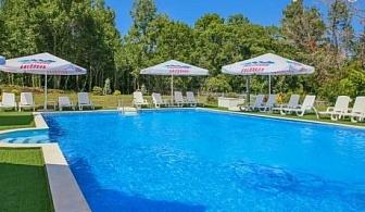 Нощувка, закуска и вечеря + басейн през Юни в хотел София, Китен