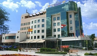 Нощувка, закуска, вечеря + басейн и СПА в Diplomat Plaza Hotel & Resort****, Луковит