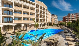 Нощувка със закуска и вечеря + басейн и СПА в НОВООТКРИТИЯ, луксозен хотел Сиена палас****, Приморско. Дете до 12г. - БЕЗПЛАТНО