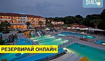 5+ нощувки на човек на база Закуска и вечеря, Закуска, обяд и вечеря в Hotel Kanali 3*, Превеза, Епир, безплатно за деца до 1.99 г.