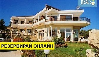3+ нощувки на човек на база Закуска, Закуска и вечеря, All inclusive в Pashos Hotel 3*, Криопиги, Халкидики
