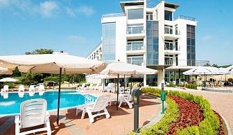 5 нощувки на човек със закуски + басейн от хотел Южна Перла, на брега на къмпинг Каваци, Созопол