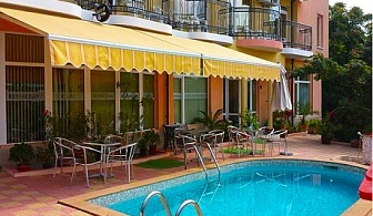 2, 3 или 5 нощувки със закуски през Юни и Юли в хотел Мимоза, Царево - на 100м. от плаж Нестинарка