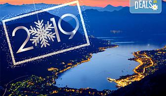 Нова година на Черногорската ривиера! 4 нощувки със закуски и вечери в Hotel Palma 4* в Тиват, транспорт и екскурзия до Дубровник и Котор!