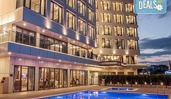 Нова година 2020 в Hampton by Hilton 4* в Гелиболу, Турция, с Глобус Холидейс! 3 нощувки, 3 закуски и 2 вечери, Новогодишна вечеря, собствен транспорт