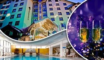Нова година в хотел Пампорово 5*. 3 или 4 нощувки за 2-ма със или без деца или 3-ма + закуски, вечери, празнична програма с гост изпълнител и DJ