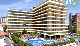 Нова година в Коста дел Сол, Испания! Самолетен билет, 6 нощувки със закуски и вечери в хотел 4*, Новогодишна вечеря, летищни такси, багаж, трансфер и две екскурзии