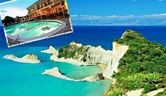 01 - 10.10 на остров Корфу, Гърция! Нощувка със закуска за двама  + басейн в хотел Maltezos, Гувия