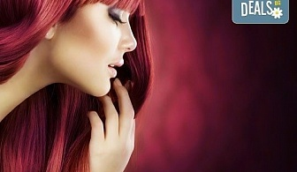 Освежете цвета на косата! Боядисване с боя на клиента и оформяне със сешоар в салон Мелинда!