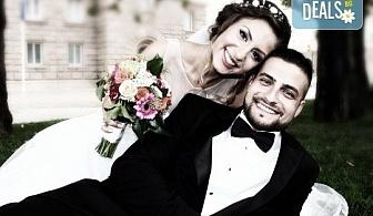 Пакетни услуги за заснемане на сватбено тържество - фото и видео заснемане, арт фотосесия, видео клип, ефектни кадри с дрон и екшън камера, фотокнига и още!
