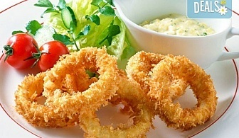 Панирани пресни калмари със сос айоли и домашни пържени картофи с розмарин от Club Gramophone - Sushi Zone!