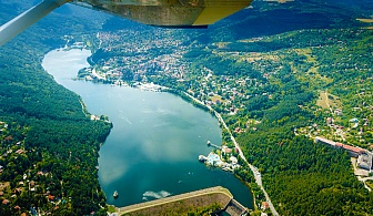 Панорамен 25-минутен полет над покрайнините на София + обиколка над язовир Искър от Джет Опс Юръп!