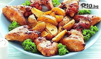 Плато пилешки крилца за двама с BBQ сос и пикантни картофки, от Ресторант Al Capone House