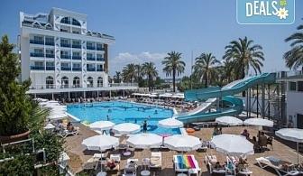 Почивка в Анталия през април или май! 7 нощувки на база All Incl в Palm World Side Resort & SPA 5*, билет, летищни такси и трансфери!