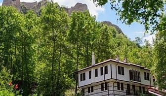 Почивка в Мелник! 2 нощувки за ДВАМА със закуски и вечери от хотел Речен Рай