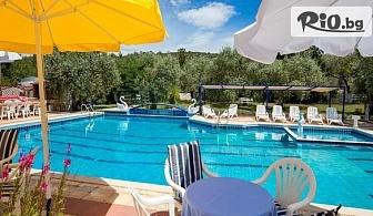 Почивка на остров Тасос, Гърция през Септември! 5 нощувки със закуски и вечери в Astris Sun Hotel + басейн, от Теско груп