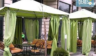 Почивка през лятото в Сандански в Семеен хотел Сантана! 1 нощувка в помещение по избор - единична, двойна  стая, студио или апартамент