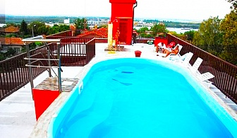Почивка в Свищов! Нощувка в студио със закуска и вечеря  + басейн с МИНЕРАЛНА вода в семеен хотел Свищов***