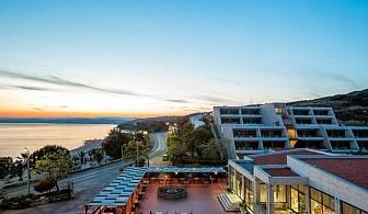 Почивка на Урануполи в Хотел THEOXENIA 4* - нощувка, закуска, вечеря, безплатен чадър и шезлонг на плажа, открит басейн /10.07.2021 г. - 23.07.2021 г. или 17.08.2021 г. - 30.08.2021 г./