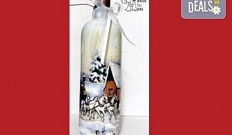 Подарък за Коледа! Рисувана бутилка червено вино с празнична декорация + арт камбанка от Music for You!