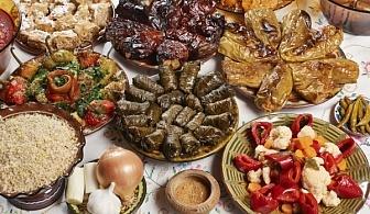 Подреди празничната трапеза по свой избор със съдействието на Кулинарна работилница Деличи, София!