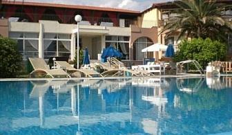 ПРЕДПОЧИТАН ХОТЕЛ В ГЪРЦИЯ - Хотел SITHONIA MARE ***! Нощувка със закуска и вечеря + ползване на открит басейн!