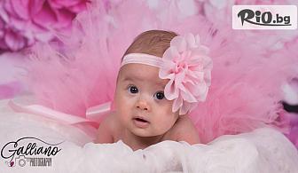 Професионална студийна фотосесия за бебета с декори + всички обработени кадри, от Galliano Photography