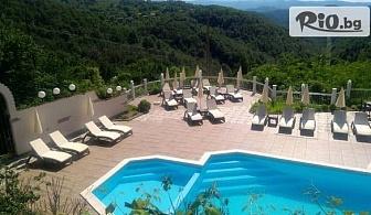Прохладна почивка в Габровския Балкан! Нощувка със закуска и вечеря + външен басейн, шезлонг и чадър, от Хотел Балани