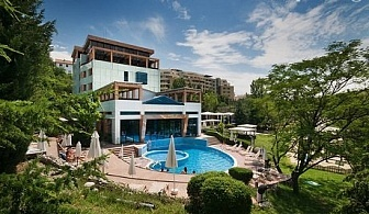 Пролетна ваканция от 30 Март до 6 Април в Сандански! 4 или 5 нощувки и закуски + минерален басейн в Хотел Медите Резорт & СПА 4*