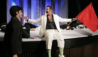Не пропускайте да гледате *Балкански синдром* в Малък градски театър Зад Канала на 15.03 от 19:00 часа