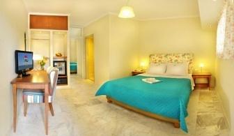 Ранни резервации за лятна почивка 2017 на Халкидики: 5 или 7 нощувки + закуски + вечери в хотел Marthas House 4* за цени от 488 лв ЗА ДВАМА
