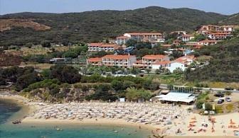 Ранни резервации за лято 2017 на Халкидики, Гърция: 3, 5 или 7 нощувки за ДВАМА на база закуска и вечеря в хотел Aristoteles Holiday Resort & SPA 4* на цени от 252 лв ЗА ДВАМА
