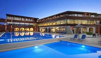 Ранни записвания 2019 в Гърция, 5 дни Полупансион за двама в Blue Dolphin Hotel